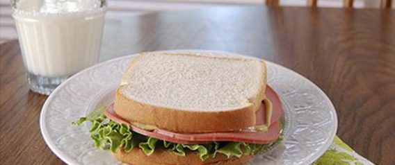 Food Served in Schools Sucks